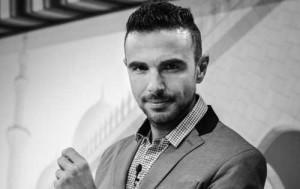 Contratar a Khaled Hallar