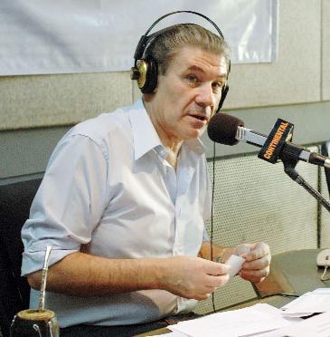 Contratar a Victor Hugo Morales