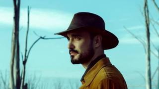 Abel Pintos presenta el video de Cien Años